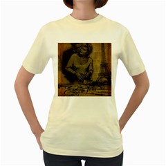 Romantic Kissing Couple Love Vintage Paris Eiffel Tower  Womens  T-shirt (Yellow)