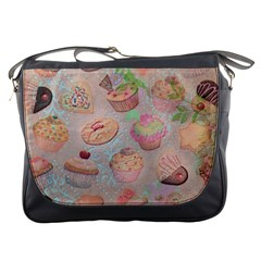 French Pastry Vintage Scripts Cookies Cupcakes Vintage Paris Fashion Messenger Bag