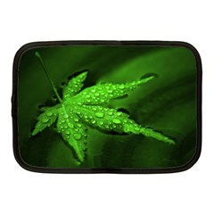 Leaf With Drops Netbook Case (Medium)