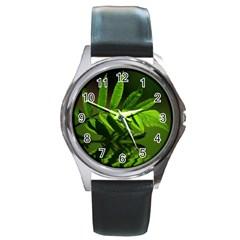 Leaf Round Metal Watch (Silver Rim)