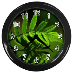 Leaf Wall Clock (black)
