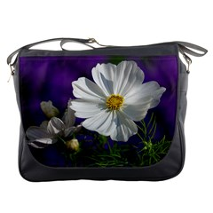 Cosmea   Messenger Bag