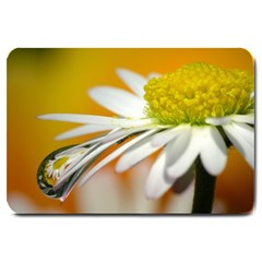 Daisy With Drops Large Door Mat