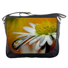 Daisy With Drops Messenger Bag