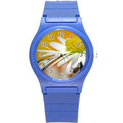Daisy With Drops Plastic Sport Watch (small)
