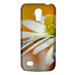 Daisy With Drops Samsung Galaxy S4 Mini Hardshell Case