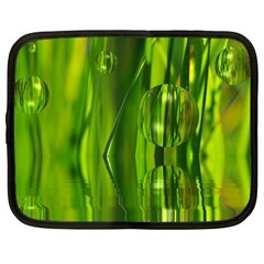 Green Bubbles  Netbook Case (XL)