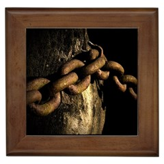 Chain Framed Ceramic Tile