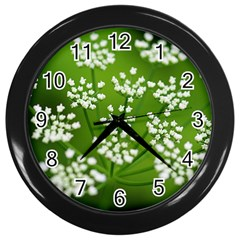 Queen Anne s Lace Wall Clock (Black)