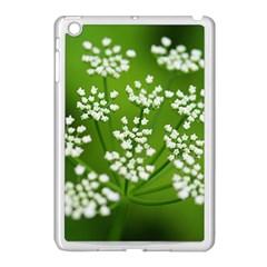 Queen Anne s Lace Apple iPad Mini Case (White)