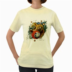Kitty s got the world in her paws  Womens  T-shirt (Yellow)