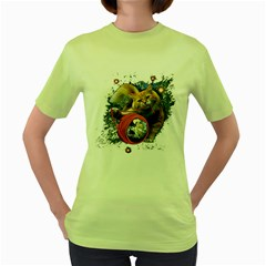 Kitty s got the world in her paws Womens  T-shirt (Green)