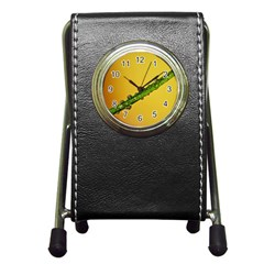 Drops Stationery Holder Clock