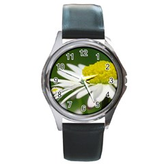 Daisy With Drops Round Leather Watch (silver Rim)