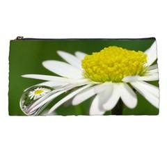 Daisy With Drops Pencil Case