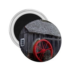 Vermont Christmas Barn 2.25  Button Magnet