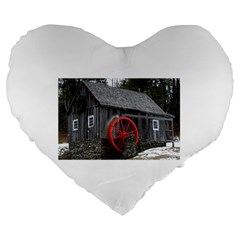 Vermont Christmas Barn 19  Premium Heart Shape Cushion