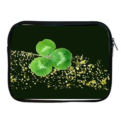 Clover Apple iPad Zippered Sleeve