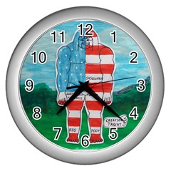 Painted Flag Big Foot Aust Wall Clock (Silver)