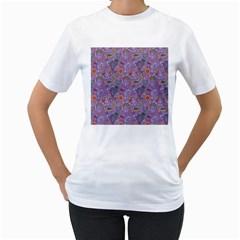 Purple Paisley Women s T Shirt (white)