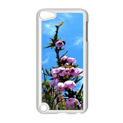 Pink Flower Apple iPod Touch 5 Case (White)