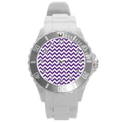 Purple And White Zigzag Pattern Plastic Sport Watch (Large)