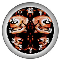 Skull Motif Ornament Wall Clock (silver)
