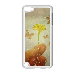 Butterflies Charmer Apple iPod Touch 5 Case (White)