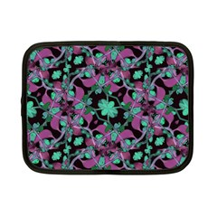 Floral Arabesque Pattern Netbook Sleeve (small)