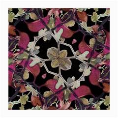 Floral Arabesque Decorative Artwork Glasses Cloth (medium)
