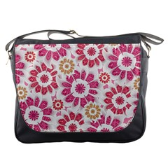 Feminine Flowers Pattern Messenger Bag