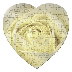 Cream Rose Jigsaw Puzzle (Heart)