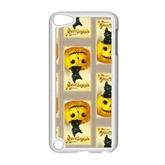 A Merry Hallowe en Apple iPod Touch 5 Case (White)