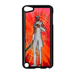 White Knight Apple iPod Touch 5 Case (Black)