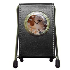 3 Labrador Retriever Stationery Holder Clock