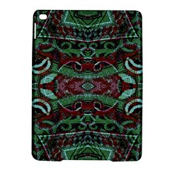 Tribal Ornament Pattern in Red and Green Colors Apple iPad Air 2 Hardshell Case