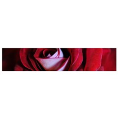 Red Rose Center Flano Scarf (small)
