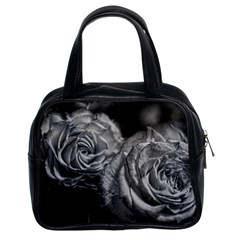 Black And White Tea Roses Classic Handbag (two Sides)