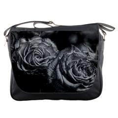 Black And White Tea Roses Messenger Bag