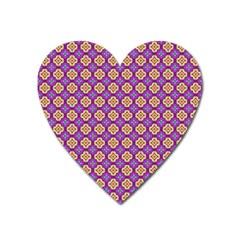Purple Decorative Quatrefoil Magnet (heart)