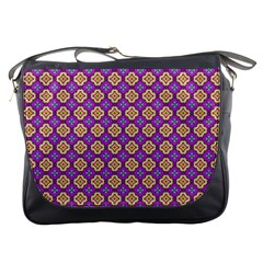 Purple Decorative Quatrefoil Messenger Bag