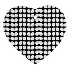 Black And White Leaf Pattern Heart Ornament (two Sides)
