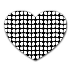 Black And White Leaf Pattern Mouse Pad (heart)