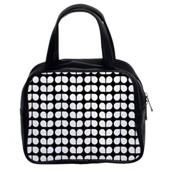Black And White Leaf Pattern Classic Handbag (two Sides)