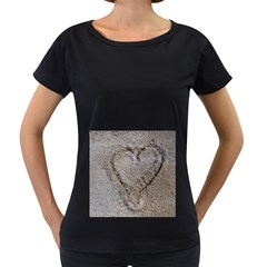 Heart In The Sand Women s Loose Fit T Shirt (black)