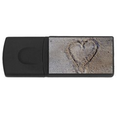 Heart In The Sand 4gb Usb Flash Drive (rectangle)