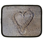 Heart in the sand Netbook Sleeve (XXL) Front