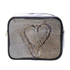 Heart in the sand Mini Travel Toiletry Bag (One Side)