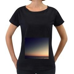 Unt5 Women s Loose-Fit T-Shirt (Black)