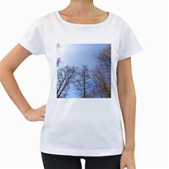 Large Trees in Sky Women s Loose-Fit T-Shirt (White)
